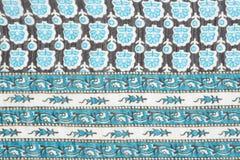 Matériel dans les modèles abstraits bleus, un fond Photographie stock libre de droits
