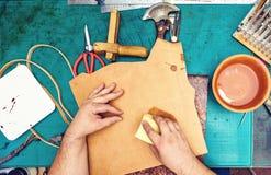 Matériel de amortissement d'artisan en cuir d'artisan images libres de droits