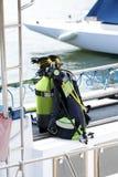 Matériel de plongée sur un bateau Image stock
