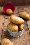 Mat för rå potatis Ny potatis arkivfoto