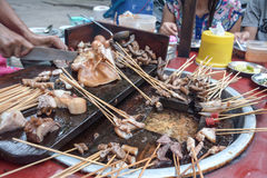 Mat för svinsvansMyanmar gata i Burma royaltyfria foton
