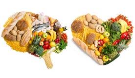 Mat i en form av en hjärna och en hjärta arkivbilder