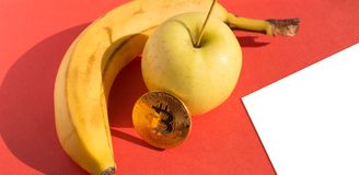 Mat- och finansbegrepp med tomt papper Fotografering för Bildbyråer