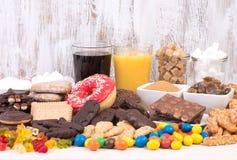 Mat som innehåller för mycket socker royaltyfria foton