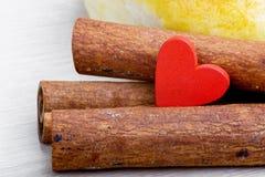 Mat som lagas mat med förälskelse inbunden vektor för valentin för daghjärtaillustration s två Royaltyfria Bilder