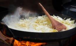 Mat till plogskivan som ?r typisk av argentinsk gastronomi royaltyfri bild