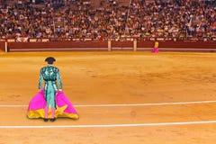 Matador en arena de la tauromaquia en Madrid Imagen de archivo libre de regalías