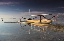 Matahari terbit strand Stock Foto's