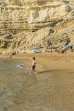 Matala, красный пляж стоковое фото rf