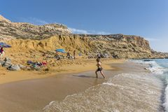 Matala, praia vermelha fotos de stock royalty free