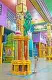 Matale印度寺庙五颜六色的内部  免版税库存照片