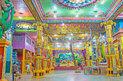 Matale印度Kovil祷告大厅  免版税图库摄影