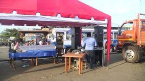 MATARA, SRI LANKA - MARS 2014 : Vue de gare routière dans Matara Matara appartient historiquement au secteur qui s'est appelé le  banque de vidéos