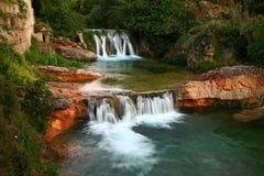 Matarraña河在贝塞特,西班牙 免版税图库摄影
