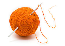 Matassa del filato di lana e dell'amo di crochet Fotografia Stock Libera da Diritti