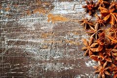 Matbakgrund med stjärnaanis Arkivbild