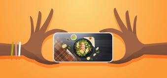 Matblogger som tar det mobila fotoet av sallad för ny grönsak med samkvämmen för skärm för smartphone för sikt för bästa vinkel f vektor illustrationer