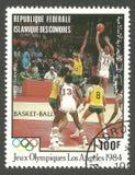 Match de basket aux Jeux Olympiques à Los Angeles Photographie stock libre de droits