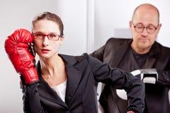 Match de boîte d'affaires interrompu par l'appel téléphonique Photographie stock libre de droits