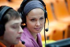 Match de volley de fille, journaliste, commentateur Photographie stock libre de droits