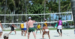 Match de volley de Miami Beach la Floride banque de vidéos
