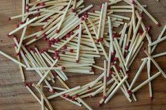 Match in einem Holz Stockbild