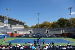 Match final junior de filles de l'US Open 2014 entre Marie Bouzkova de République Tchèque et Anhelina Kalinina d'Ukraine Images stock