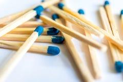 Match mit einem blauen Kopf Stockbild