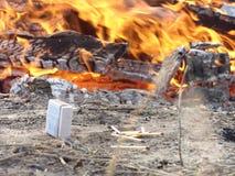 Match und Feuer Stockbild
