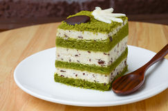 Matcha巧克力片蛋糕。 库存照片