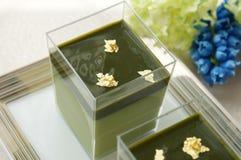 Matcha绿茶奶油甜点 库存图片