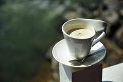 Matcha grüner Tee modren innen Cup Stockfotos
