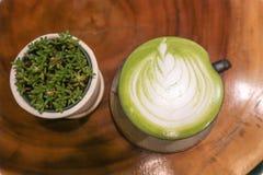 Matcha latte ή πράσινο τσάι latte Στοκ Φωτογραφία