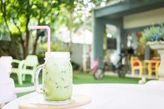 Matcha mjölkar grönt te med Royaltyfri Foto