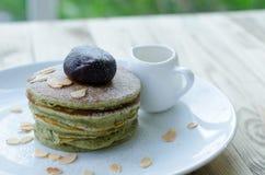 Matcha pancake and red bean Royalty Free Stock Photography
