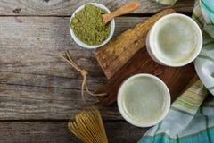 Matcha te i vita bunkar Fotografering för Bildbyråer