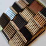 Matchbooks organizados ordenadamente em um ângulo Fotografia de Stock Royalty Free