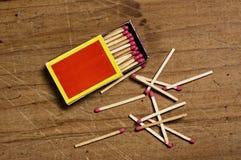 Matchbox na starym stole Obrazy Stock
