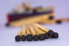 Matchstöcke stapeln zusammen lizenzfreie stockfotografie