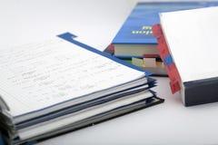 Matemáticas avanzada y libro imagenes de archivo