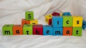 Matemáticas de los bloques de los niños Fotografía de archivo libre de regalías