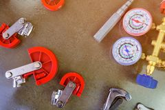 Maten en hulpmiddelen voor airconditioning stock afbeelding