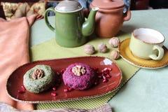Maten på tabellen i en härlig maträtt Arkivfoto