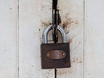 Mater klucza kędziorka bielu drzwi Zdjęcie Royalty Free