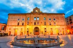 Matera, Базиликата, Италия: Взгляд ночи squ Vittorio венето стоковая фотография