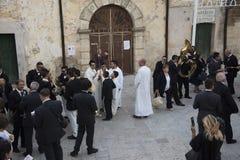 Matera, Italia 16 de setembro de 2017: Esperando a procissão de Imagem de Stock Royalty Free