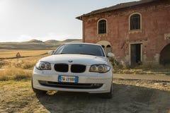 Matera, Italie 30 juillet 2017 Voiture privée Série 1 de BMW Pays Photo stock