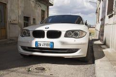 Matera Italien Juli 26 2017 personbil 1 bmw-serie Foto på Arkivfoto