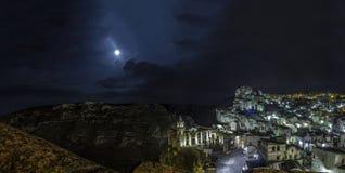 Matera panoramy sassi 2019 di Matera 2019 nocy sceną Fotografia Royalty Free