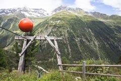 Materiële kabelmanier voor de levering van de berghut Royalty-vrije Stock Foto